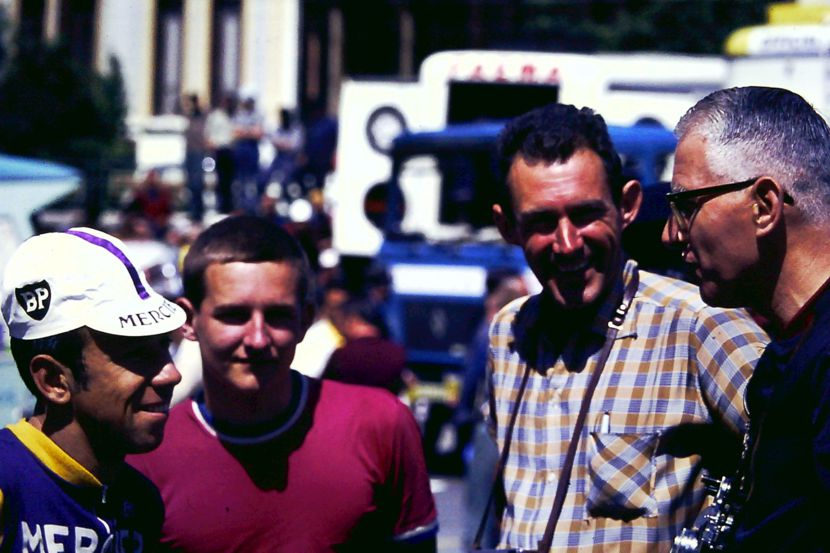 Barry talking to pioner journalist J.B. Wadley (right) at the start of the 1969 Tour de France